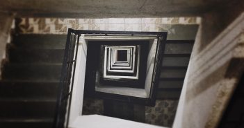 staircase-932388_960_720